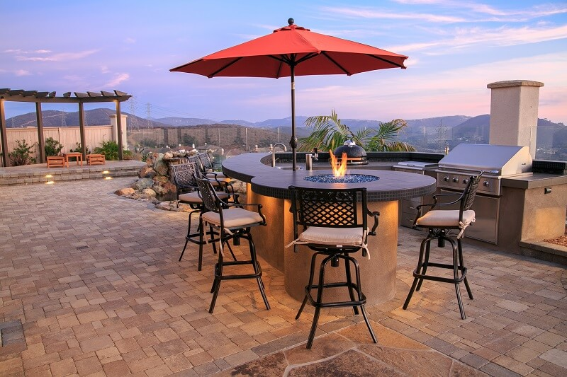 BBQ Islands and Outdoor Kitchens | San Diego Pavers